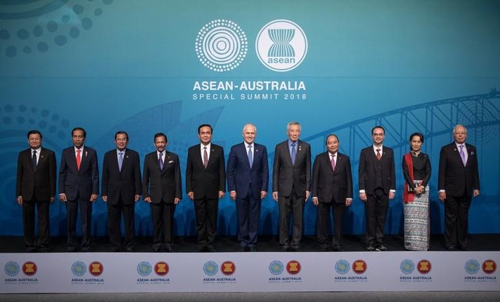 호주, 코로나19  이후 세계 경제 회복에 주요 역할을 맡을 아세안 + 6 구축 제안 - ảnh 1