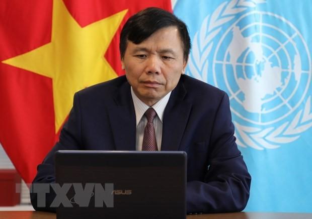 베트남, 유엔 안보리에서 세계가 난민문제 부담과 책임을 분담할 것을 호소 - ảnh 2