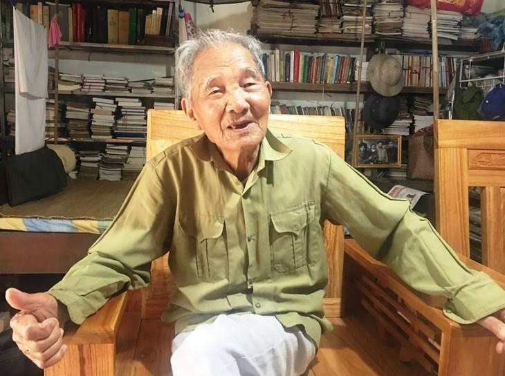 비엣박 산림지대의 농 비엣 또아이 작가 - ảnh 1