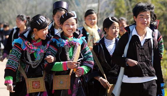 사파 몽족 전통의상 - ảnh 2