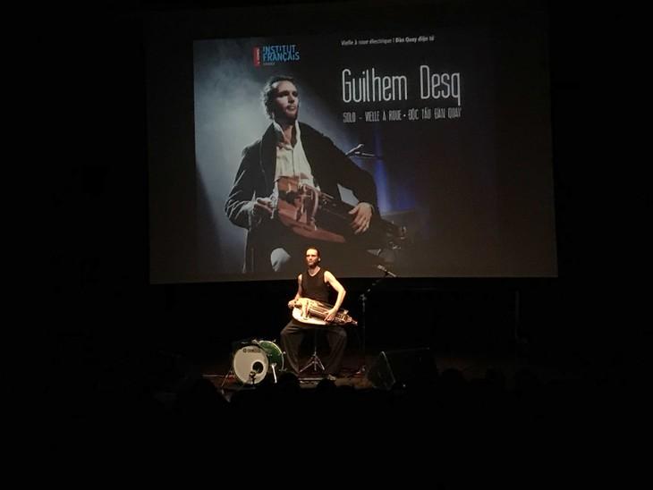Le solo de la vielle à roue millénaire de l'artiste français à Hanoi - ảnh 1