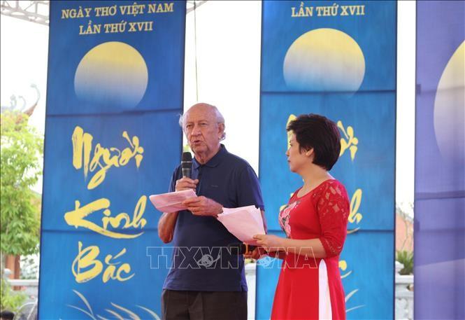 Journée de la poésie: promouvoir la littérature vietnamienne à l'étranger - ảnh 2