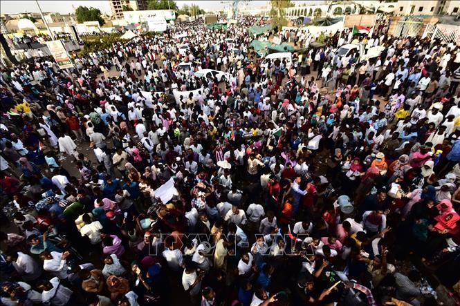 Soudan: les manifestants en colère après le sommet du Caire - ảnh 1