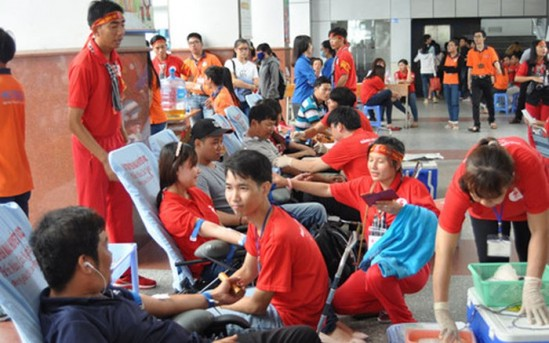 « Les gouttes rouges de Hô Chi Minh-ville » - ảnh 1
