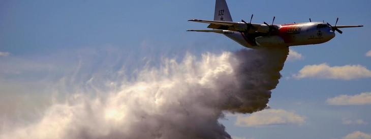 Australie: 3 morts dans la chute d'un avion-citerne de lutte aux feux de forêt - ảnh 1