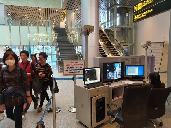 Dà Nang: aucun des touristes en provenance de Wuhan ne montre des symptômes de coronavirus pour le moment - ảnh 1