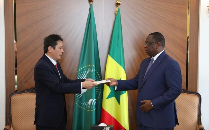 Le Sénégal souhaite renforcer sa coopération multisectorielle avec le Vietnam - ảnh 1
