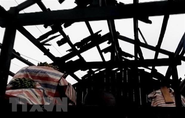 La Croix-Rouge vietnamienne au chevet des provinces touchées par la grêle et la tornade - ảnh 1