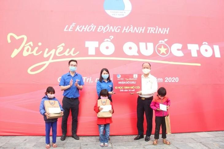 Quang Tri: coup d'envoi de l'itinéraire «J'aime mon pays 2020»  - ảnh 1