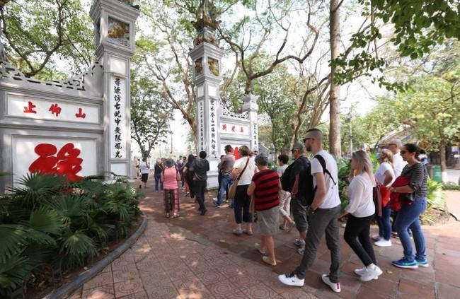 Covid-19: Réouverture de plusieurs sites touristiques à Hanoï - ảnh 1