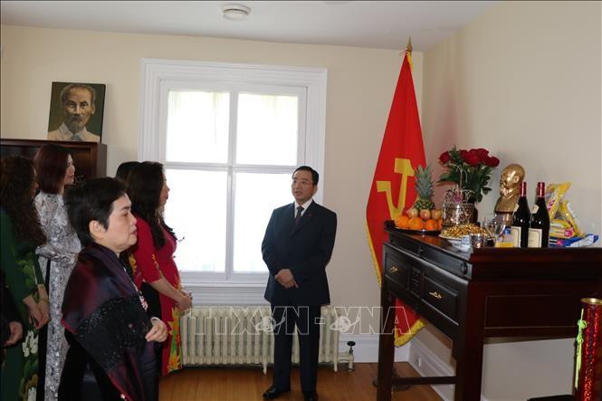 Hommage au président Hô Chi Minh au Canada - ảnh 1