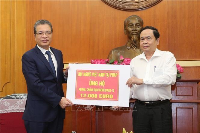 Covid-19: Les Vietnamiens de l'étranger soutiennent le combat dans leur pays d'origine - ảnh 1