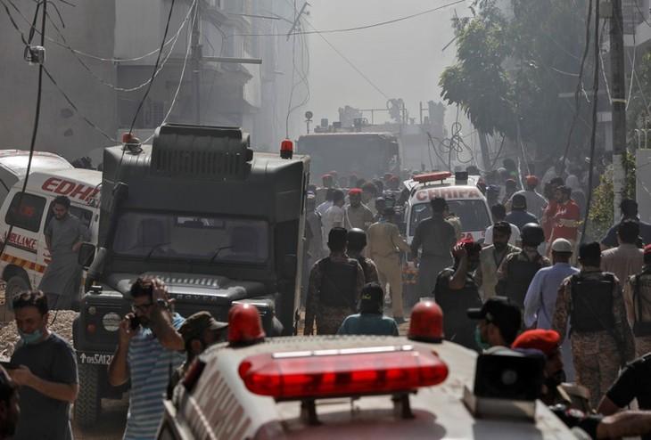 Pakistan: 97 morts pour 2 survivants dans l'écrasement d'un Airbus A320 à Karachi - ảnh 1