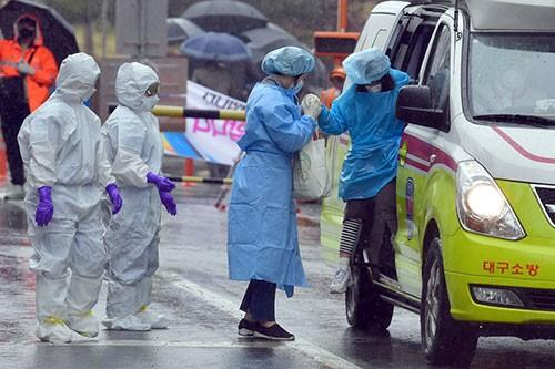 Coronavirus: lourd bilan humain aux États-Unis, au Brésil et au Mexique - ảnh 1