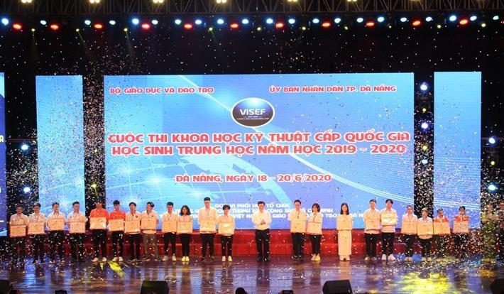 Clôture du Concours national scientico-technique destiné aux lycéens - ảnh 1