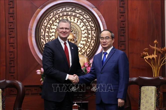 Nguyên Thiên Nhân rencontre l'ambassadeur américain au Vietnam  - ảnh 1