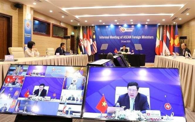 ASEAN: Visioconférences des ministres des Affaires étrangères - ảnh 1