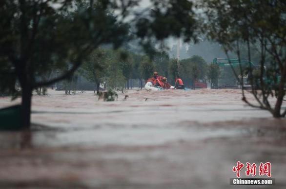 Chine: 14 morts et 8 disparus à cause de fortes pluies au Sichuan - ảnh 1