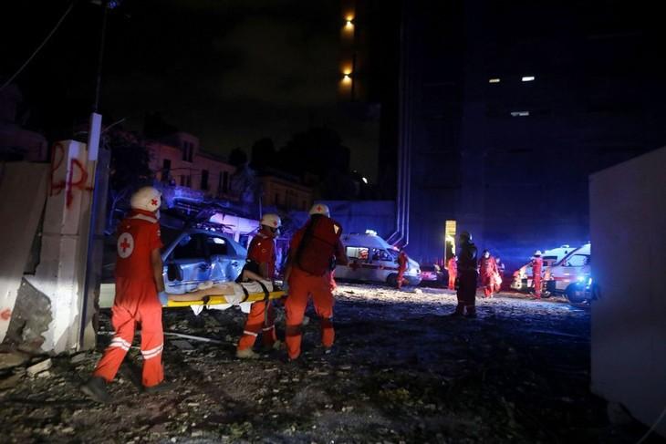 Double explosion à Beyrouth: la diplomatie vietnamienne présente ses condoléances aux victimes - ảnh 1