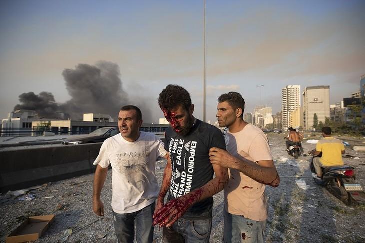 Liban: 78 morts après une double explosion dans un stock de nitrate d'ammonium à Beyrouth - ảnh 1