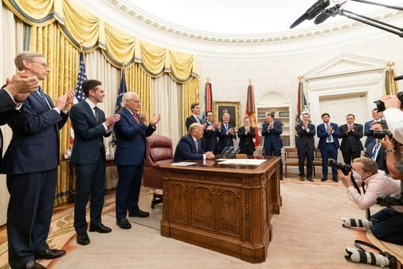 L'accord historique Israël-Émirats arabe unis et ses impacts géopolitiques au Moyen-Orient - ảnh 1