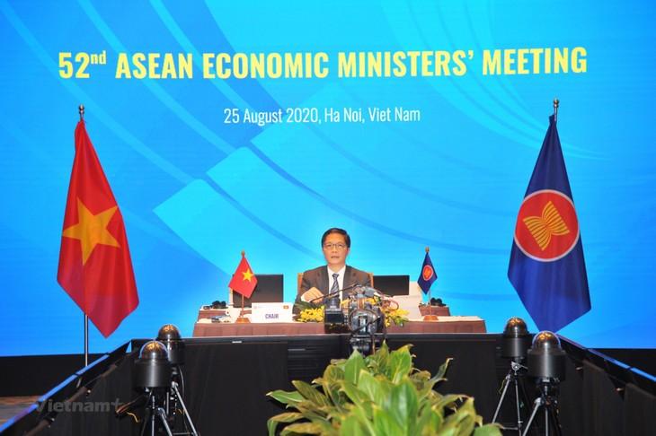 La 52e Conférence des ministres de l'Économie de l'ASEAN  - ảnh 1
