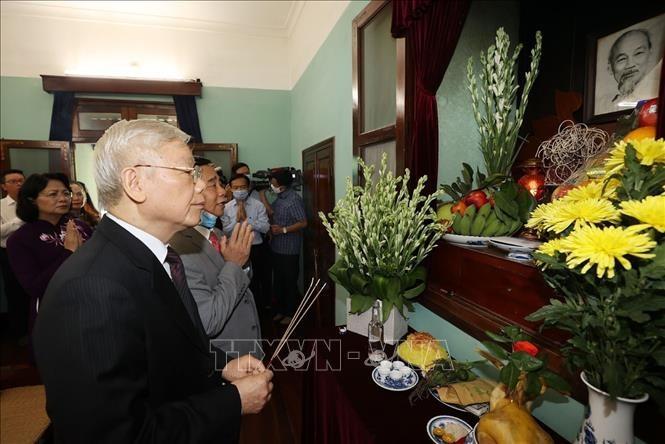 Nguyên Phu Trong rend hommage au Président Hô Chi Minh - ảnh 1