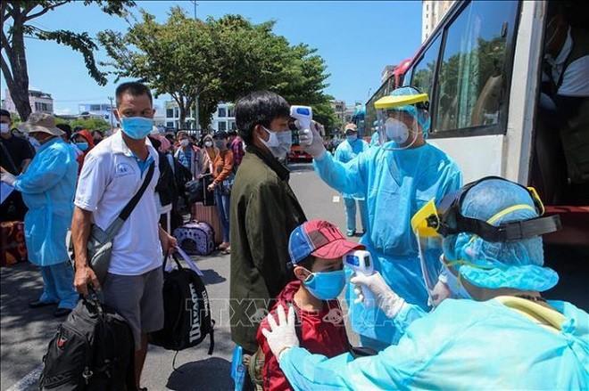 Covid-19 : reprise des opérations de transport de passagers vers Danang - ảnh 1