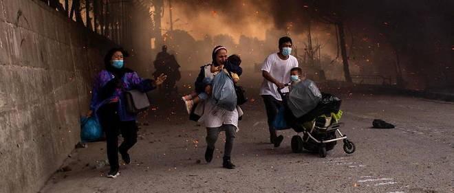 Incendies à Lesbos: un ferry dépêché pour héberger des migrants - ảnh 1