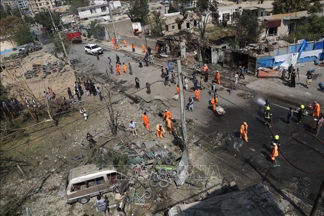 Les forces afghanes et les talibans continuent de s'affronter au milieu des pourparlers de paix - ảnh 1