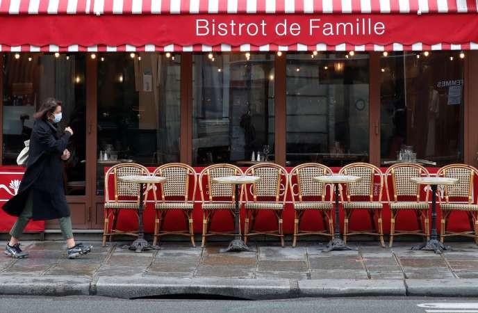 Covid-19 : Paris ferme ses bars pendant au moins 15 jours - ảnh 1
