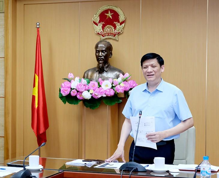 Covid-19: Le Vietnam se prépare à la saison à haut risque de transmission - ảnh 1