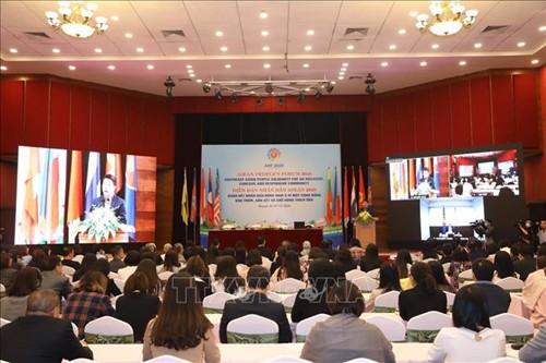 Clôture du Forum populaire de l'ASEAN de 2020 - ảnh 1
