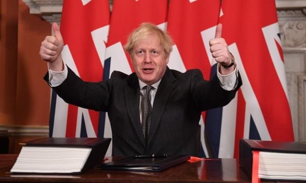 Brexit: les députés britanniques approuvent l'accord de libre-échange signé entre Londres et Bruxelles - ảnh 1