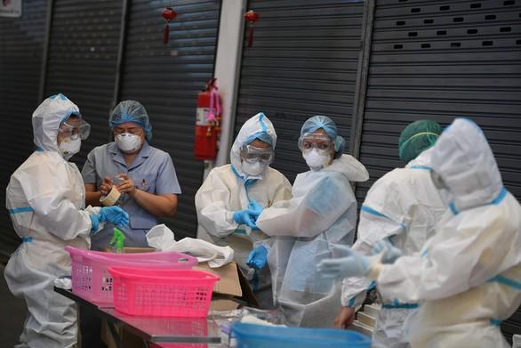 Covid-19: Près de 101 millions de cas d'infection recensés dans le monde - ảnh 1