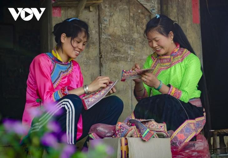 Diên Biên: deux patrimoines inscrits sur la liste du Patrimoine culturel immatériel national - ảnh 1