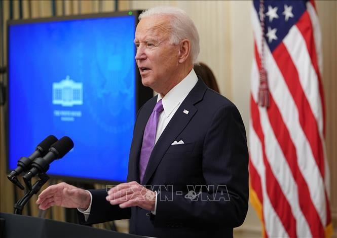 États-Unis: Joe Biden fait adopter au Congrès son plan colossal de relance économique de 1.900 milliards de dollars - ảnh 1