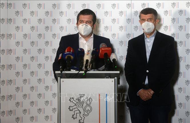 Prague expulse 18 diplomates russes, accusés d'espionnage et de sabotage - ảnh 1