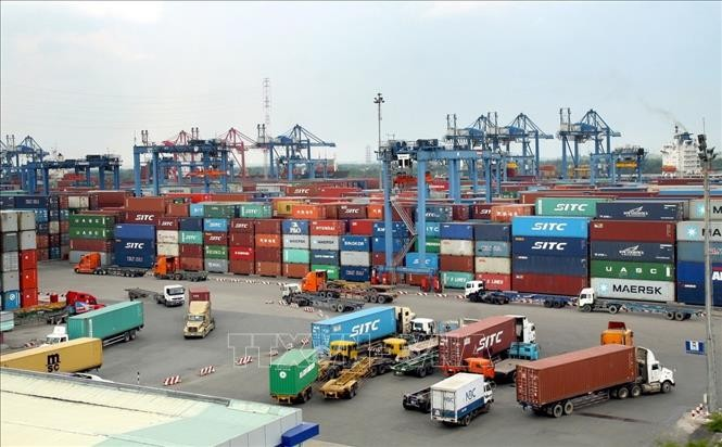 Import-export: un chiffre d'affaire de 103,9 milliards de dollars pendant les 4 premiers mois de 2021 - ảnh 1