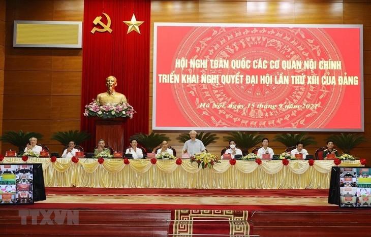 Nguyên Phu Trong dirige la Conférence nationale des organes chargés de la politique intérieure - ảnh 1