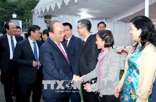 Нгуен Суан Фук встретился с предствителями вьетнамской диаспоры в Индии - ảnh 1