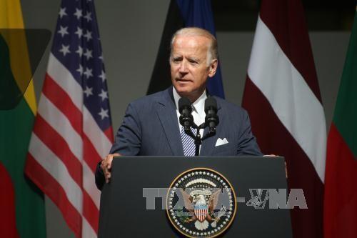 Бывший вице-президент США Джо Байден лидирует в президентской гонке - ảnh 1