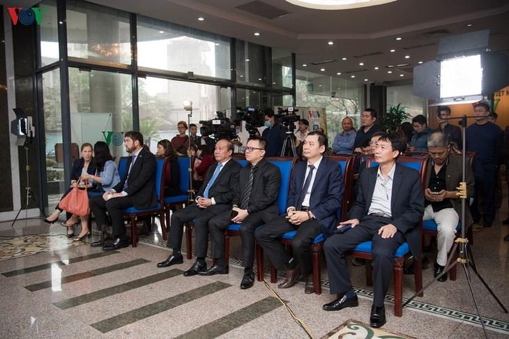 Радио «Голос Вьетнама» организовало церемонию празднования Всемирного дня радио - ảnh 1