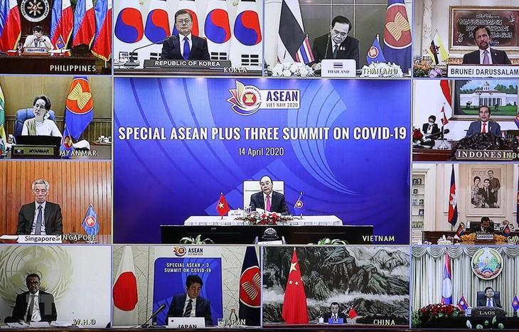 АСЕАН хорошо справилась с эпидемией Covid-19 во время председательства Вьетнама 2020 г. - ảnh 1