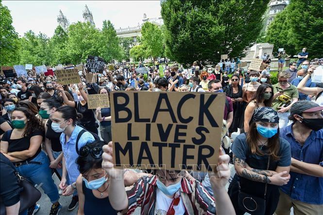 В Венгрии прошел митинг в знак протеста против расизма - ảnh 1