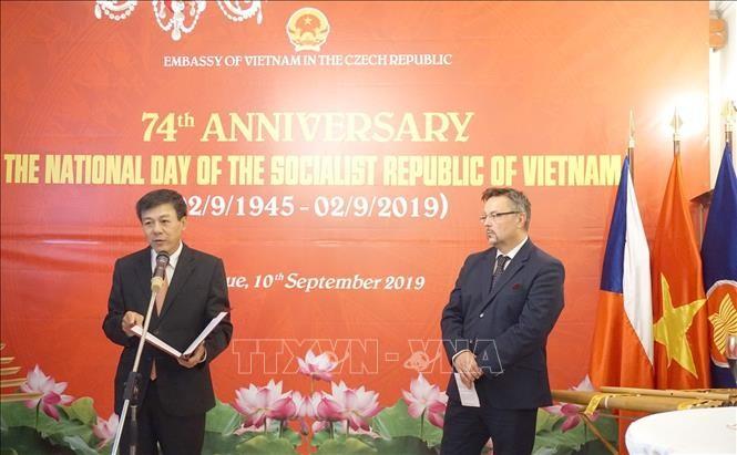 Вьетнам и Чехия укрепляют и развивают традиционную дружбу - ảnh 1