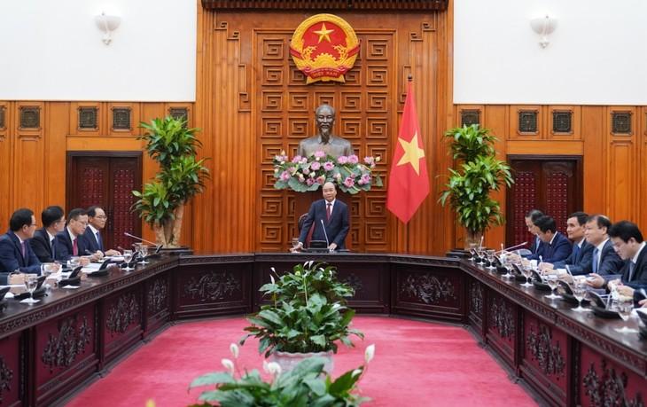 Нгуен Суан Фук: Вьетнам прилагает все усилия для обеспечения безопасности страны - ảnh 1