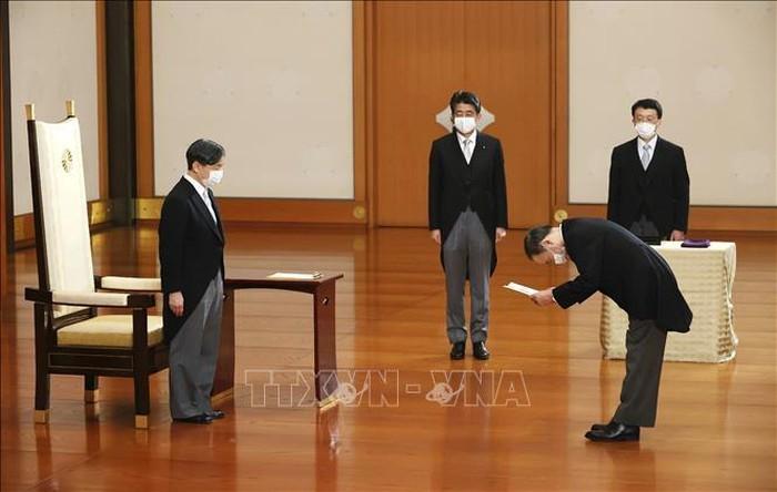 Новый премьер-министр Японии определил приоритеты противодействия Covid-19 - ảnh 1