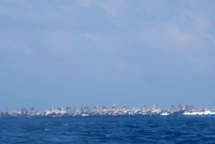 Австралийские СМИ осветили скопление большого количества китайских кораблей в районе рифа «Бадау» - ảnh 1