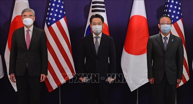 США, Япония и Республика Корея договорились продолжить взаимодействие в вопросе КНДР - ảnh 1